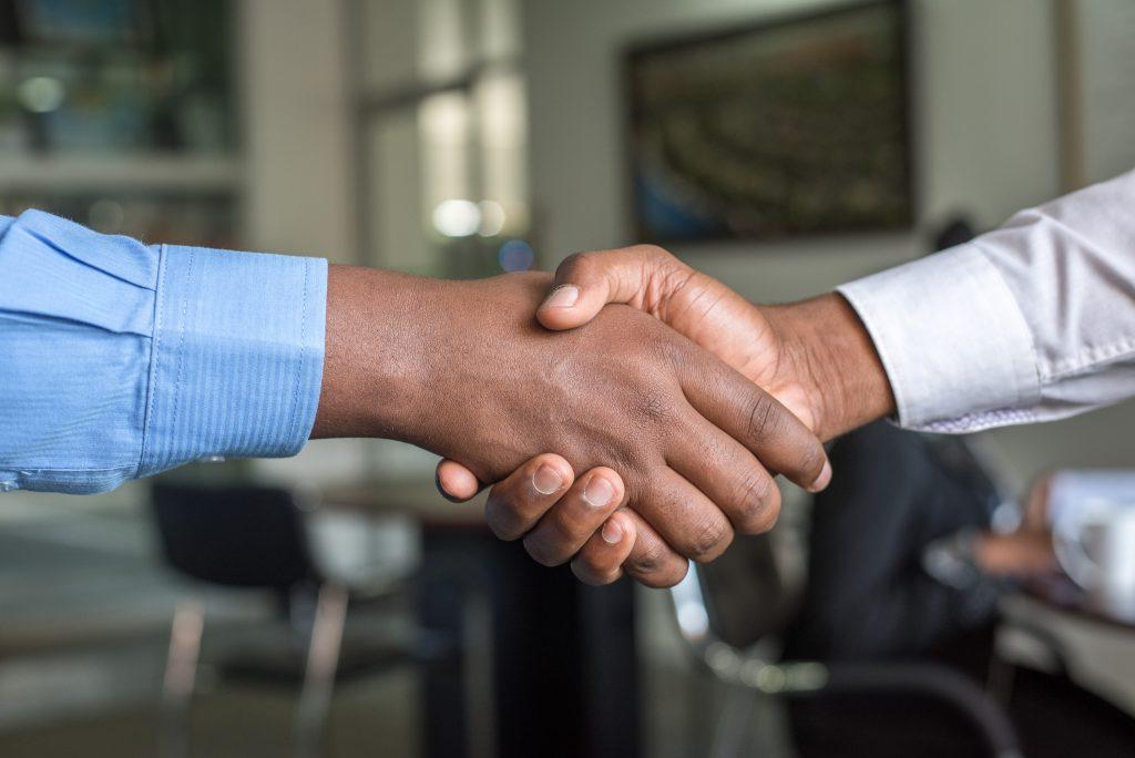 Para pebisnis membuat service Legal Agreement (SLA)
