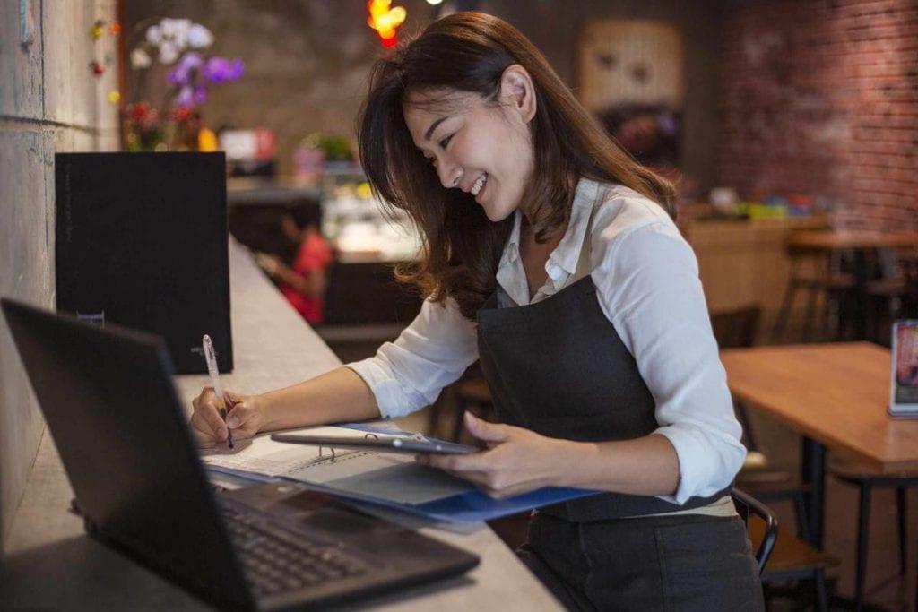 Jangan Keliru! Cek 10 Aplikasi Sales Dan Fiturnya Untuk Dukung Bisnis Anda!